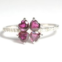 天然石ルビーと天然石ダイヤのクローバーモチーフの指輪・K18WG(ホワイトゴールド)