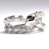2013年干支 蛇(ヘビ)モチーフ・天然石ダイヤ(0.30ct)・K18WG(ホワイトゴールド)・リング(指輪)