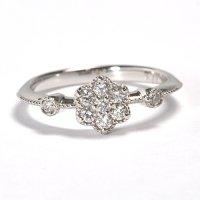 キュートなフラワーモチーフの婚約指輪(エンゲージリング)!天然石ダイヤ0.26ct・Pt900(プラチナ)・リング(指輪)