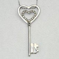 天然石ダイヤモンドの大人かわいいハートキーのペンダント・ネックレスK18WG(ホワイトゴールド)