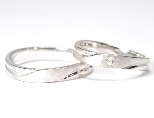 画像1: 女性用に天然石ダイヤ付・オシャレで付け心地が良いオーダーメイド結婚指輪(マリッジリング)・Pt900(プラチナ)・ペアリング(指輪)