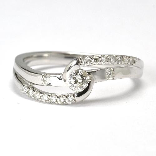 画像1: ゴージャスで華やかな婚約指輪(エンゲージリング)!!天然石ダイヤ・Pt900(プラチナ)・リング(指輪)