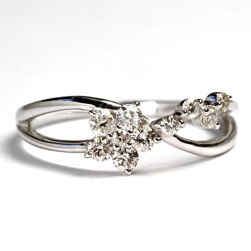 画像1: ☆可愛らしいお花モチーフのダイヤリング!!ダイヤ・K18WG(ホワイトゴールド)・リング(指輪)