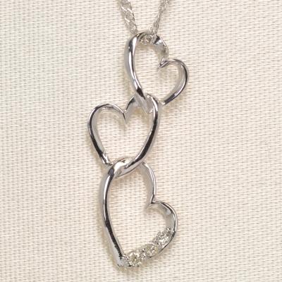 画像1: 天然石ダイヤモンド付き・ハート・デザイン・ペンダント・ネックレス・K18WG(ホワイトゴールド)
